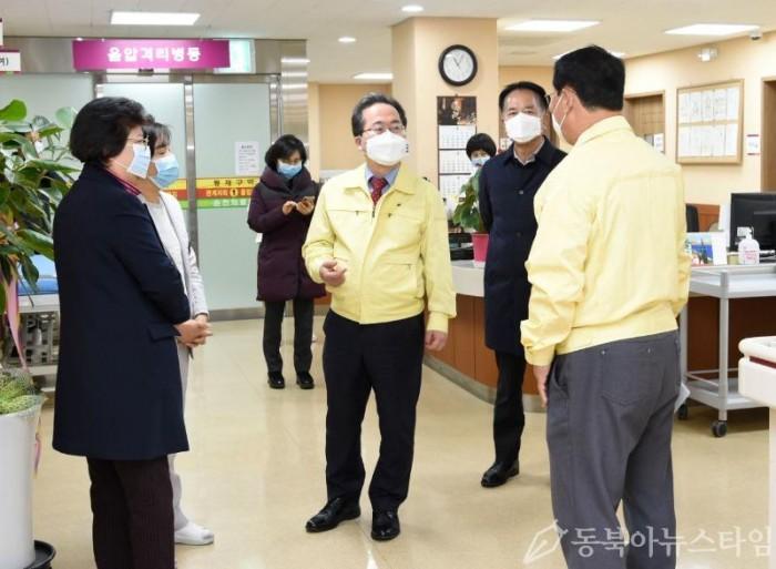 허석시장 현장방문(의료원).JPG